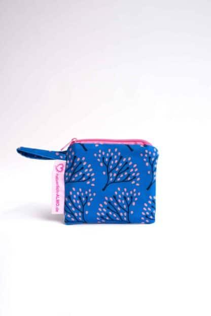 Wetbag S mit blauem Blumen-Feuerwerk